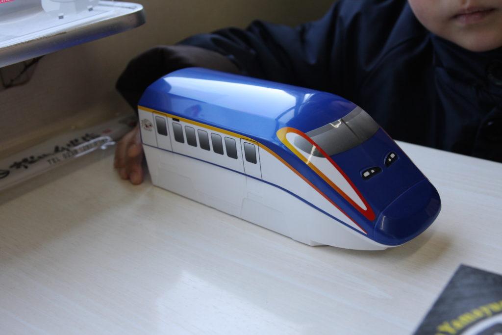 新幹線の形の駅弁